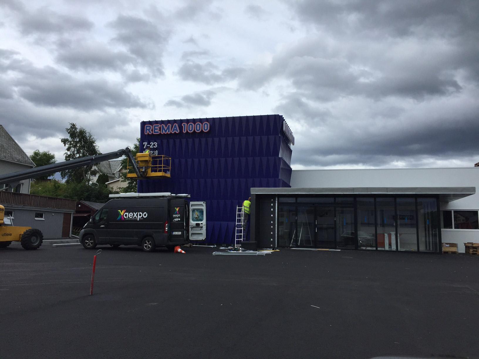 Fasade og skiltmontering